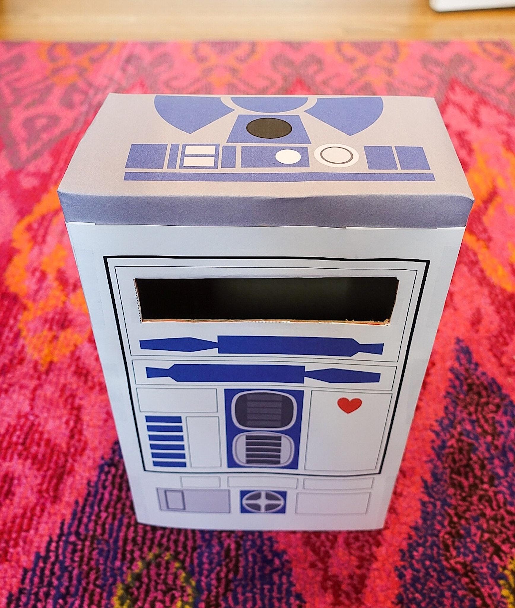 R2D2 valentine mailbox