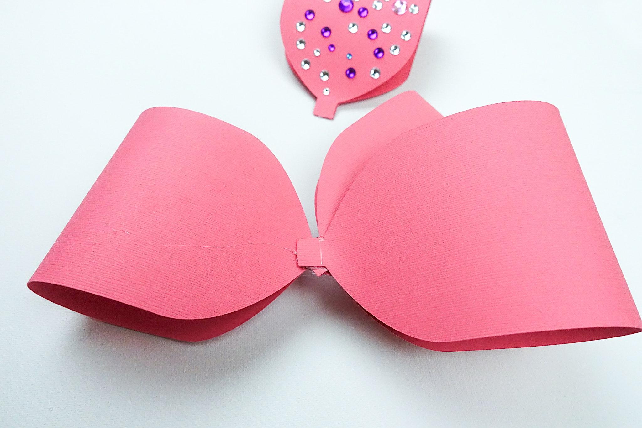 DIY Jojo Siwa Inspired Paper Bow For Valentine's Day Mailbox