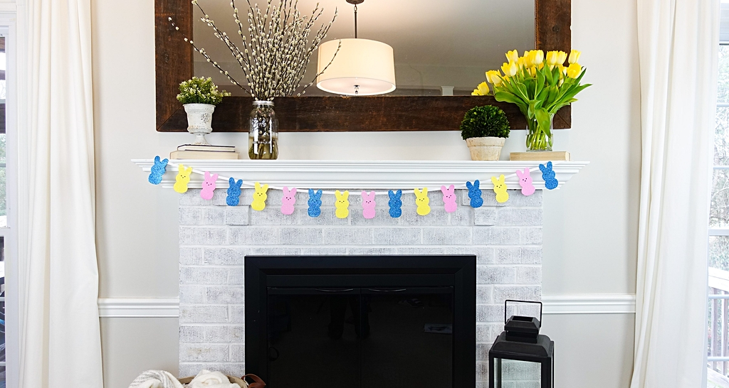 DIY Dollar Store Peep Banner Easter Decoration