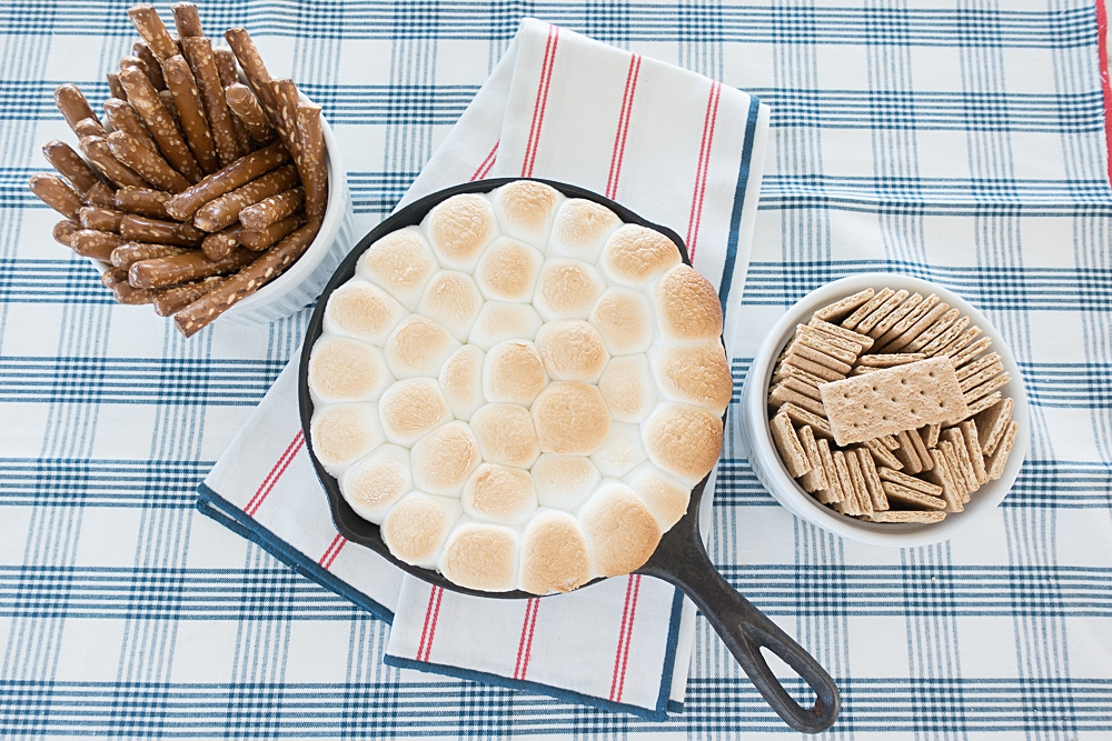 How to make s'mores dip in the oven