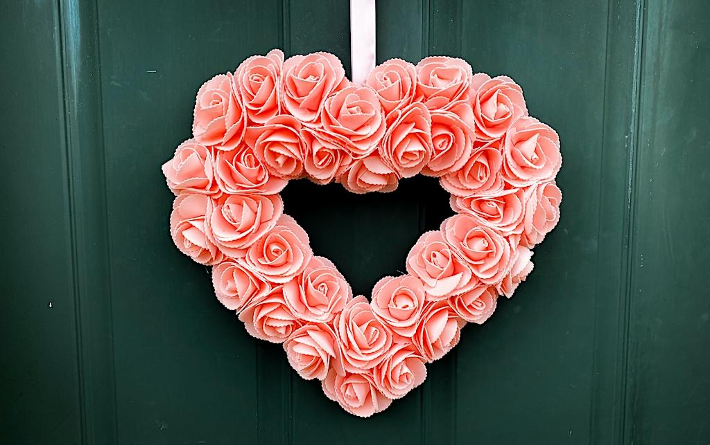 valentine's day hear wreath
