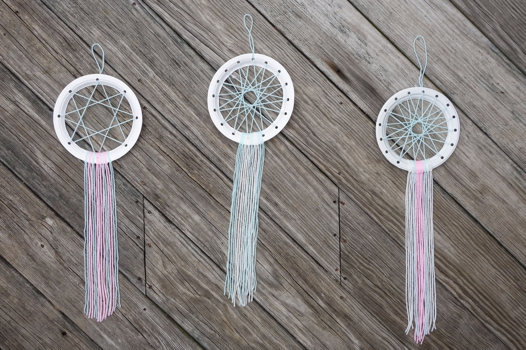 DIY Paper Plate Dream Catchers