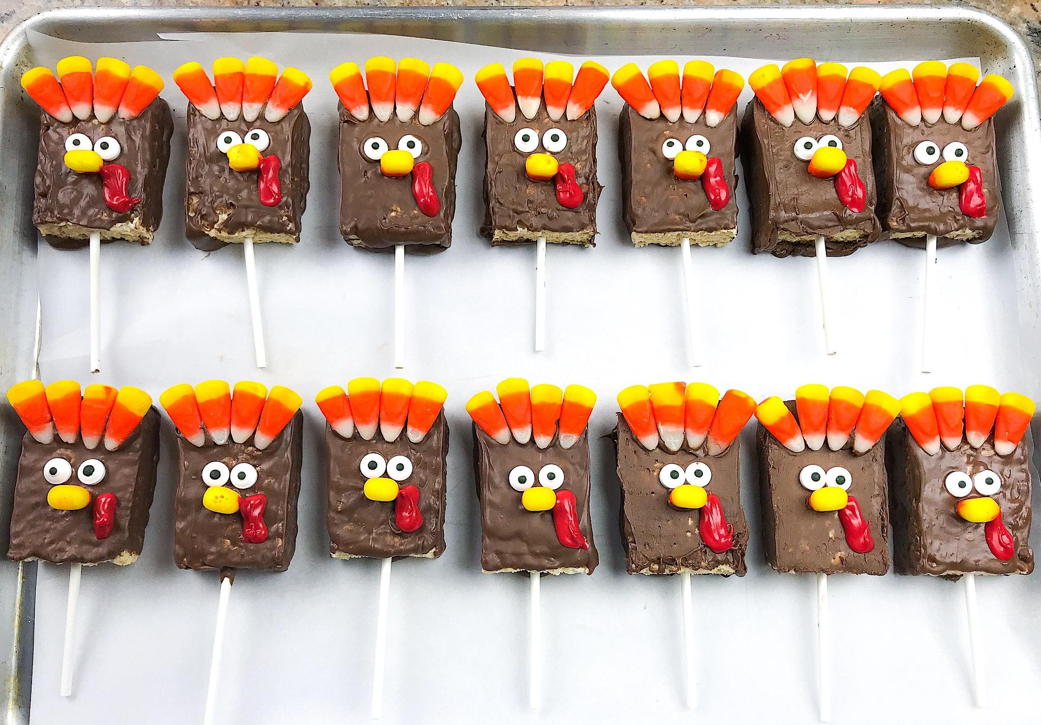 Thanksgiving kids dessert Rice Krispies treat turkeys