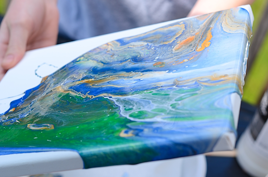 How to do an acrylic paint pour on canvas