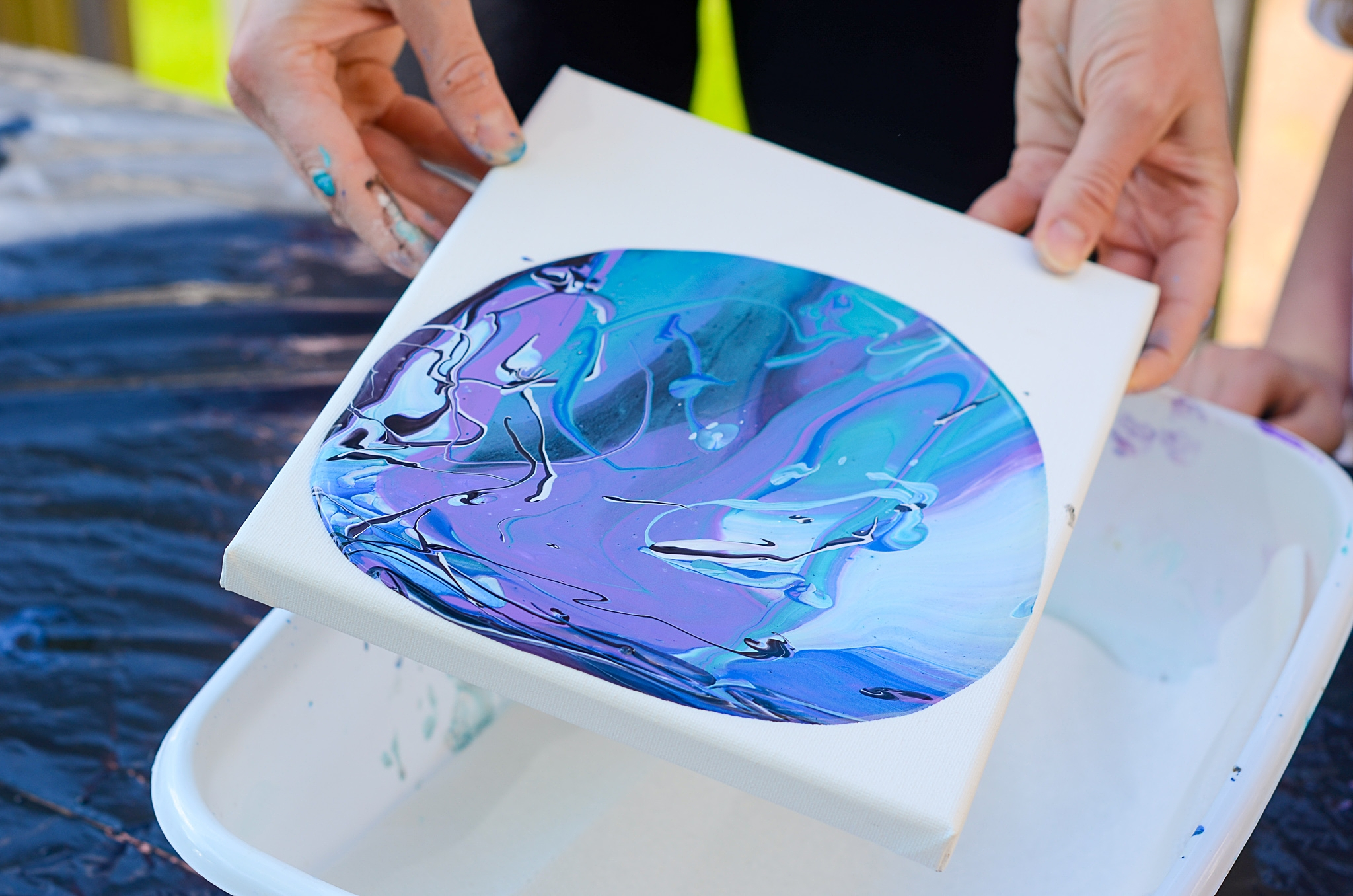 how to do an acrylic paint pour
