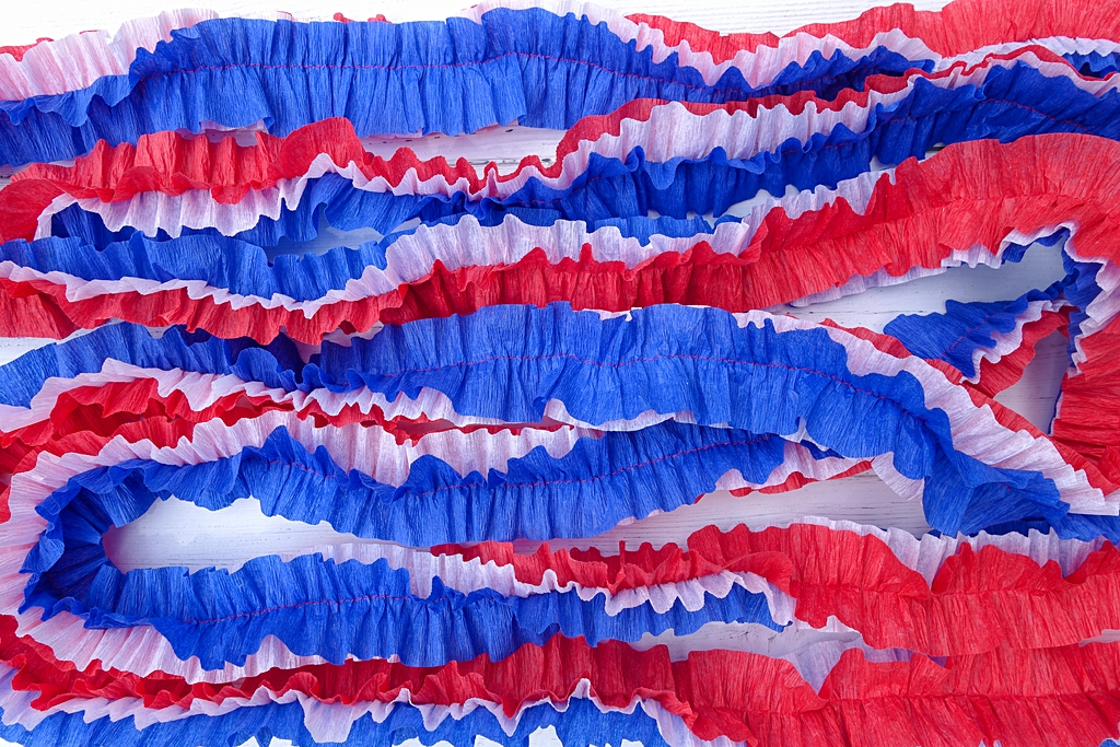 red white and blue ruffled streamers