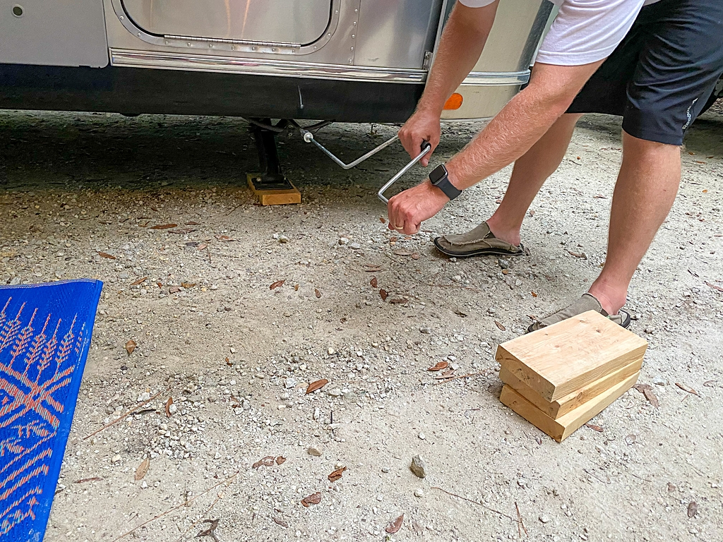 how to set up your RV at a campsite